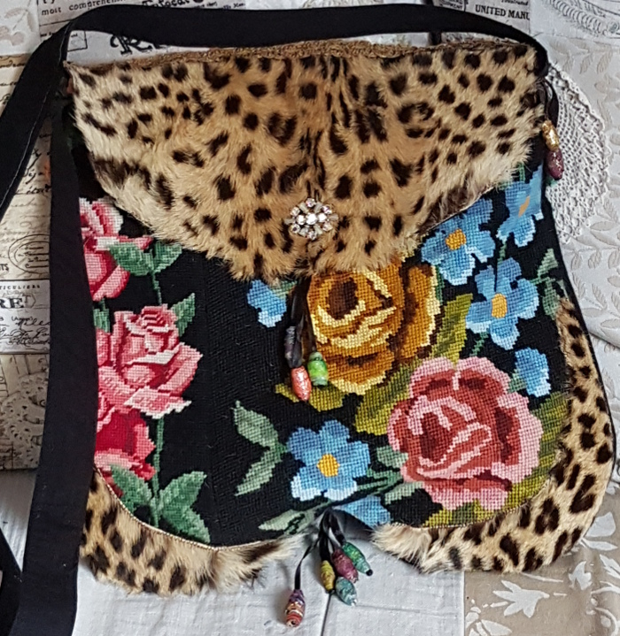 Taschen aus Gobelinstickbildern -Bags Using Vintage Needle Point Embroideries