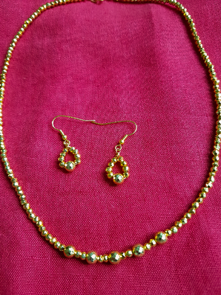Goldenes Schmuckset – Gold Jewelry Set