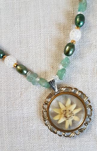 Kette mit Vintage-Anhänger – Necklace with VintagePendant