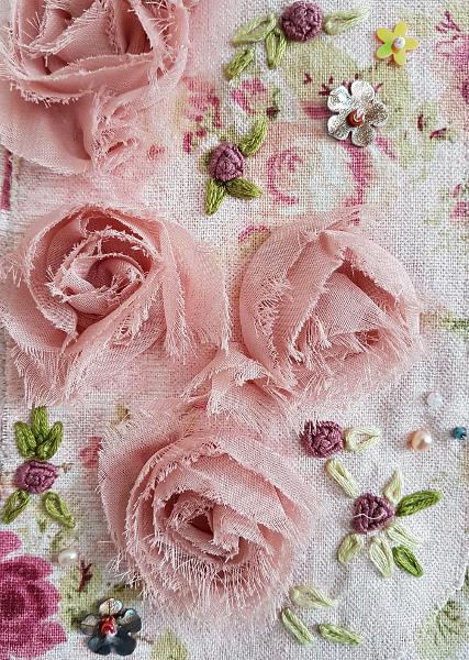Rosen für Weste und Schal – Roses For a Scarf and aWaistcoat