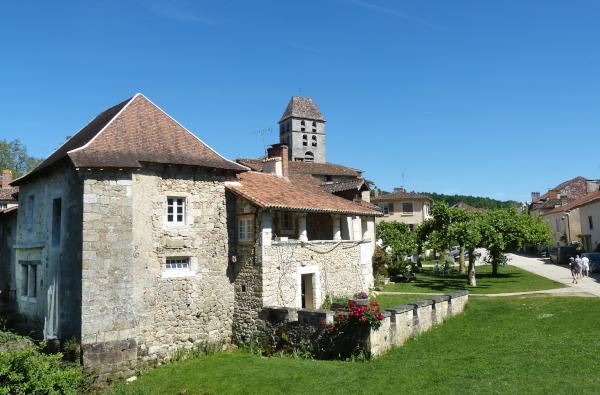 Abbaye de Boschaud und/andSt.Jean-de-Côle