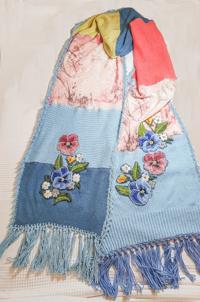 Upcycling: Ein bunter Schal – A Colourful Scarf